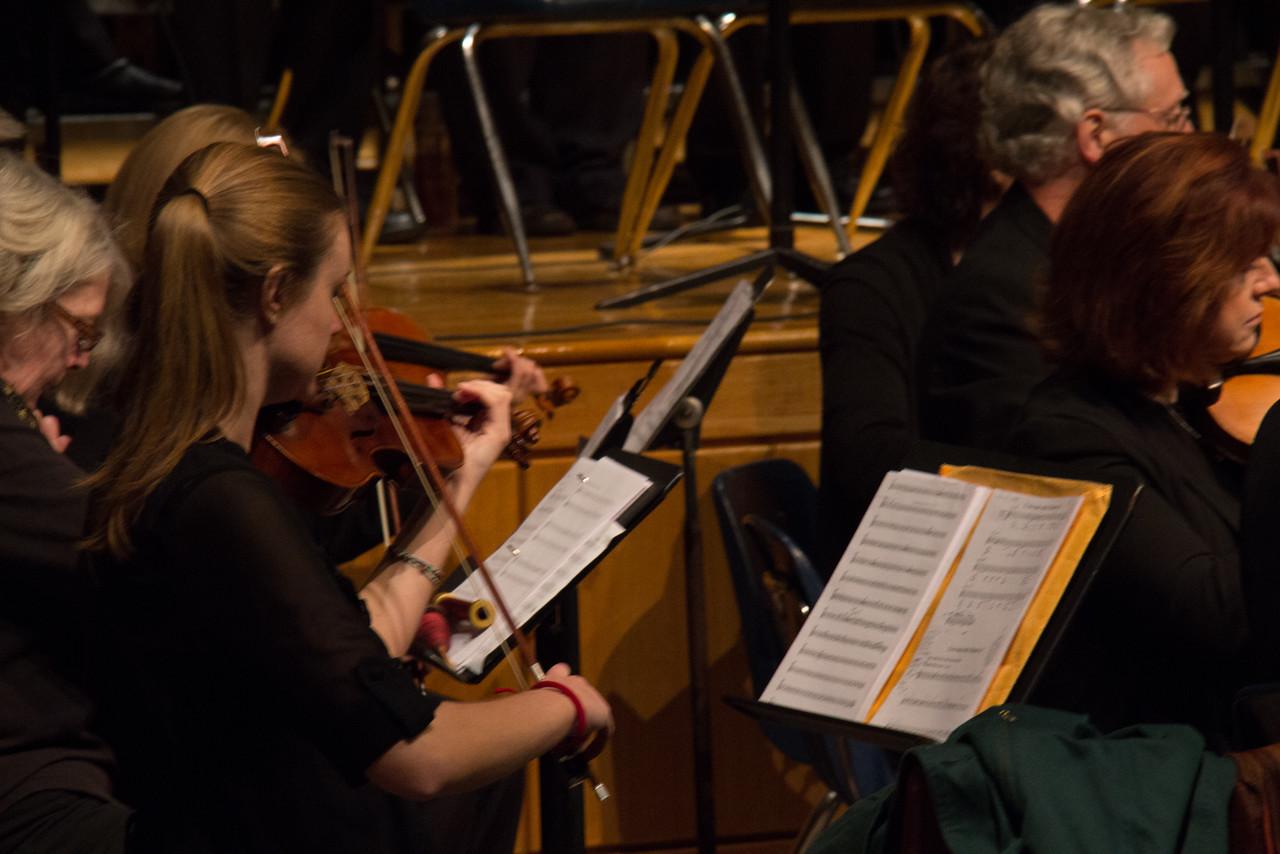 blurry-violin-and-a-bit-of-sheila